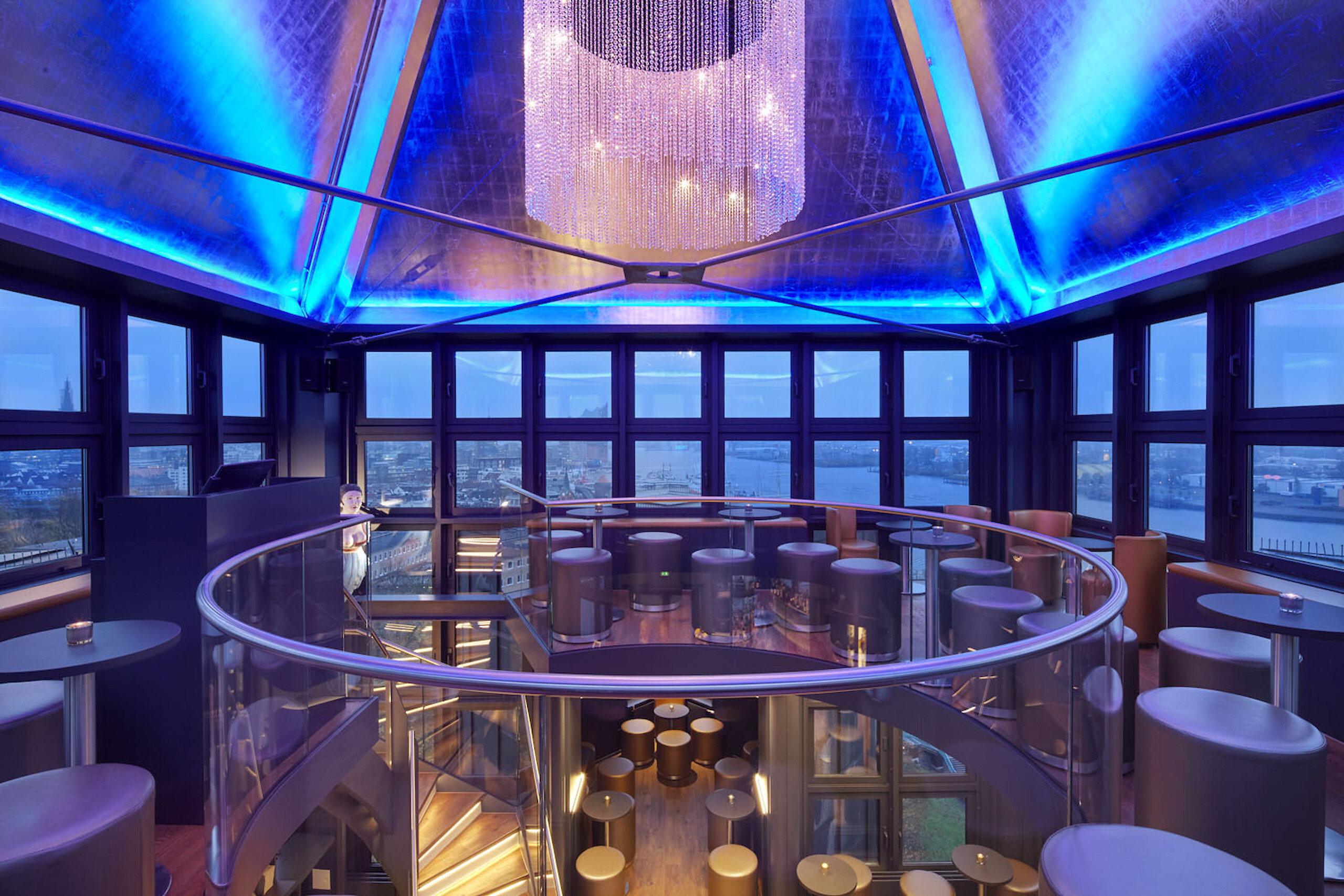 The Tower Bar with a view across the harbor and the Elbphilharmonie