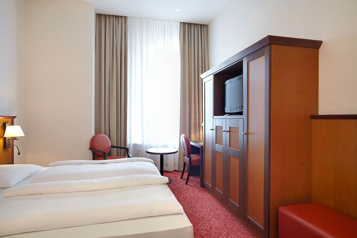 A hotel room with hanseatic charm of the Hotel Hafen Hamburg